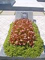 Grave of fallen? (194631085).jpg