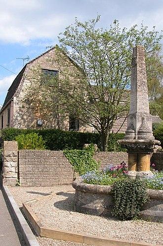 Gretton, Gloucestershire - Gretton War Memorial