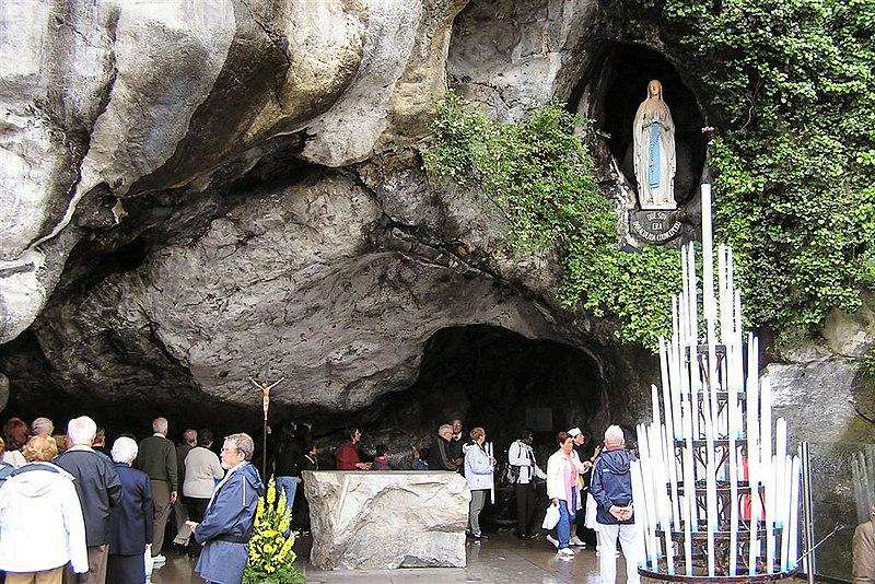File:Grotte Massabielle.jpg