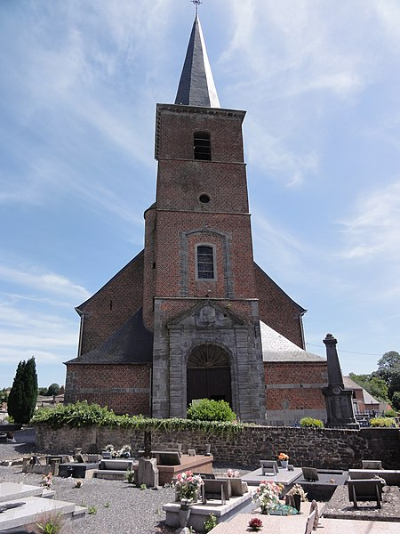Gussignies (Nord, Fr) église Saint-Médard, façade.