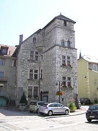 Hôtel de Ville des Échelles.jpg