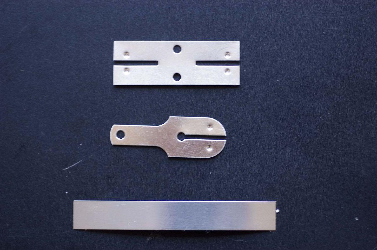 File:H-Verbinder Y-Ableiter Streifenverbinder-Ableiter.jpg ...