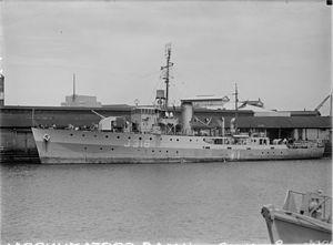HMAS Cootamundra - Image: HMAS Cootamundra by Allan Green SLV H91.108 288