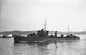 HMS (H02) Exmouth in leaving the port of Bilbao in 1936.jpg