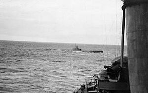 HMS Clyde (N12) - HMS Clyde acting as an escort during refuelling