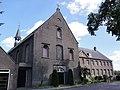 Handel Rijksmonument 16060 Capucijnenklooster kapel en voorzijde klooster.JPG
