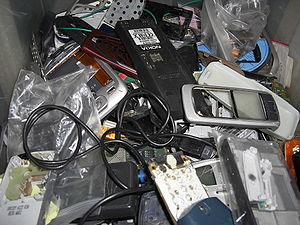 English: Mobile phone scrap, old decomissioned...