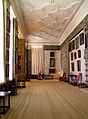 Hardwick Hall Long Gallery 1 (6881710528).jpg