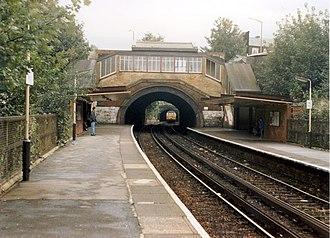 Heaton Park tram stop - Image: Heaton Park railway station in 1988