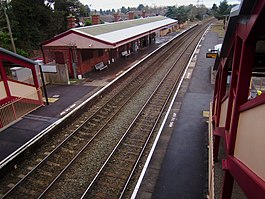 Henley-in-Arden Station, geograph 6025864 by Phil.jpg