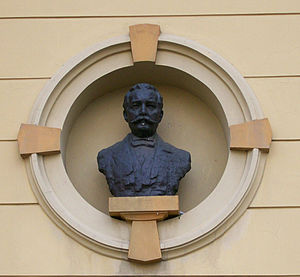Hermann Bollé - Bust of Bollé in Republic of Croatia Square