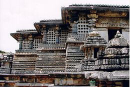 Horizontal moldings in Hoysaleshvara Temple at Halebidu.jpg