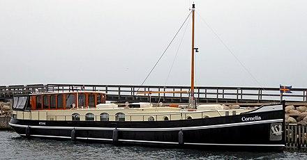 Fine Houseboat Wikiwand Download Free Architecture Designs Scobabritishbridgeorg