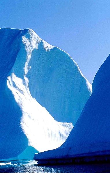 File:Iceberg 16 2000 08 12.jpg