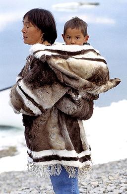 Iglulik Clothing 2 1999-07-18