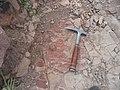 Ignimbritas y martillo de geólogo-Cerro Grande.jpg