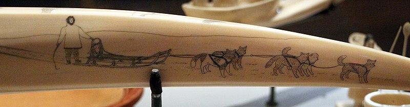 File:Inupiat, avorio di tricheco inciso, da king island (alaska), 1930 ca. 05 slitta con cani.jpg