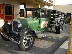 Issaquah - Hailstone Feed Store - Ford Model AA truck 01.jpg