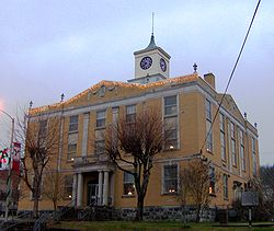 Jackson-county-tennessee-courthouse.jpg