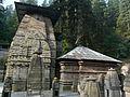 Jageshwar temple shikhar and mandap (6133806718).jpg