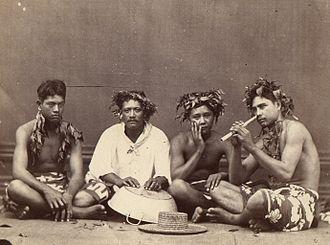 Music of Tahiti - Vivo (nose flute) player