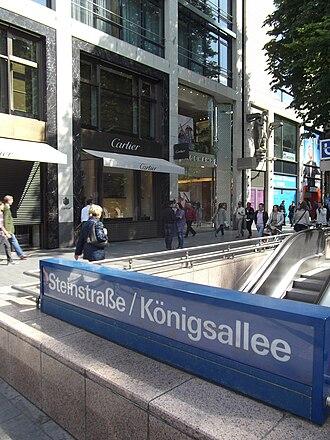 Königsallee - entrance to the U-Bahn station of Steinstraße/Königsallee