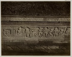 KITLV 28272 - Isidore van Kinsbergen - Relief on the east side of Panataran, Kediri - 1867-02-1867-06.tif