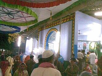 Melakkal Kanavai - Dargah of Varushai Syed Ibrahim waliyullah on the night of urus, Kanavai, Melakkal, Madurai