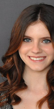 Description de l'image Kara Hayward 2012 (cropped).jpg.
