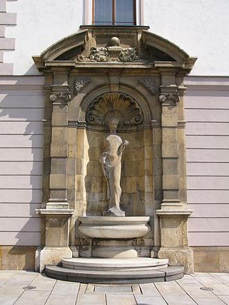 Camillo Sitte - Fountain of Hygieia in Olomouc (in Czech: kašna Hygie), Camillo Sitte (plan) and Karel Lenhart (statue)