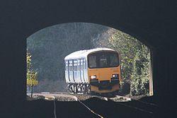 Kennaway Tunnel - FGW 150102.jpg