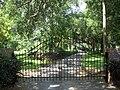 Kissimmee Colonial Estate gate01.jpg