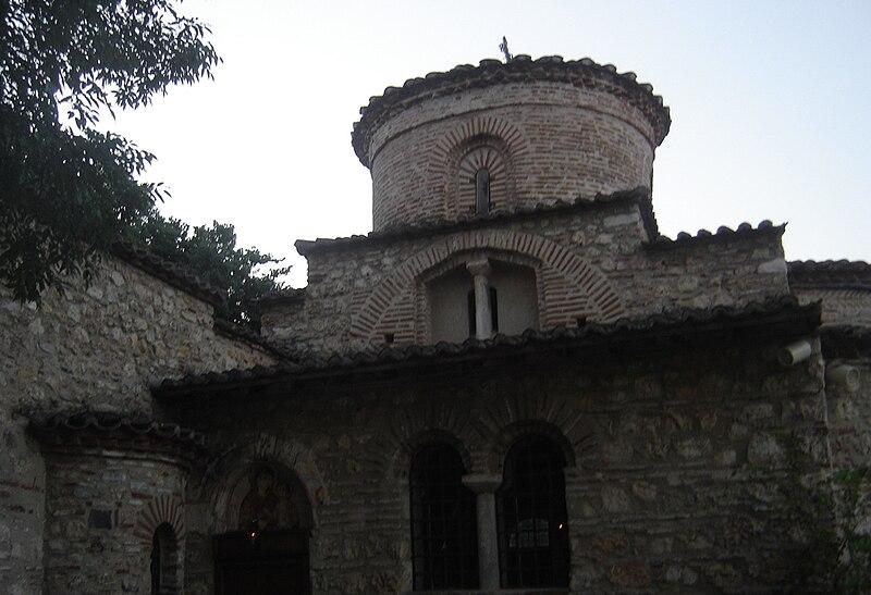 http://upload.wikimedia.org/wikipedia/commons/thumb/c/c6/Kondariotissa_church_of_Kimissi_Theotokou2.jpg/800px-Kondariotissa_church_of_Kimissi_Theotokou2.jpg