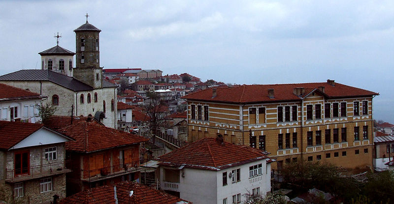 https://upload.wikimedia.org/wikipedia/commons/thumb/c/c6/Krusevo_panorama.jpg/800px-Krusevo_panorama.jpg