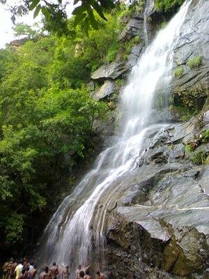 Kutladampatti Falls - Kutladampatti waterfalls, Vadipatti, Madurai