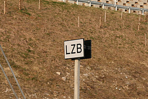 Linienzugbeeinflussung - Start of LZB sign