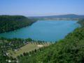 Lac de Chalain vu de Fontenu - France.JPG