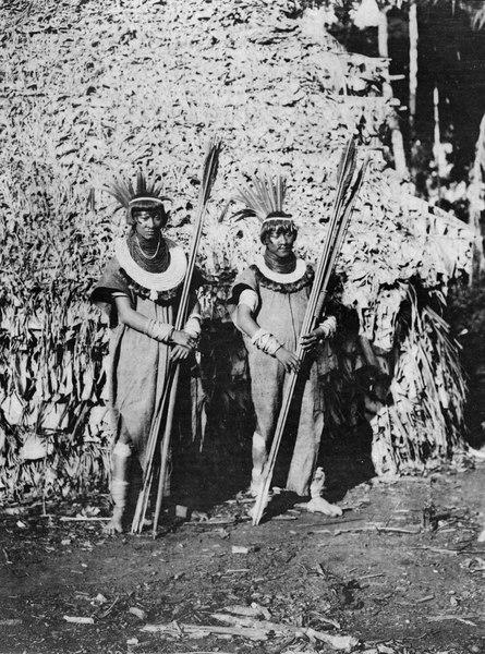 File:Lago rojo Aguado, NÖ. Bolivia. Samma indianer som i foto 004998, fotograferade på närmare håll - SMVK - 004999.tif