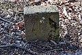 Lainzer Tiergarten Grenzstein 32 L.jpg