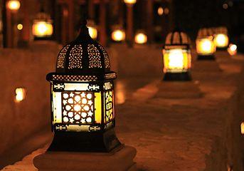 Laterne in Makadi Bay in der Nacht. Ägypten.. IMG 5117WI1.jpg