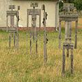 Lattenmensch Camp Reinsehlen frontal mehrere.jpg