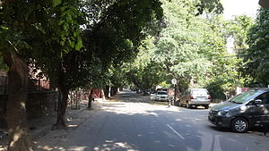 Nizamuddin East - Arab Ki Sarai Road on the north periphery of Nizamuddin East
