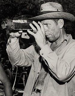Leonard Smith-Clarence Brown en La Novulo-altranĉi
