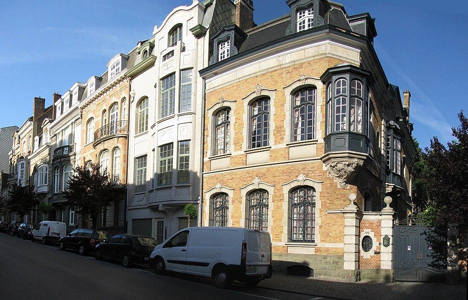 Les logias et balcons de la rue Frans Merjay