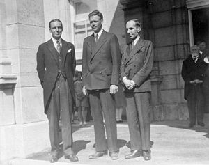 Vincent Massey - Massey (right), William Phillips (left), and Charles Lindbergh outside Rideau Hall in July 1927