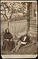 Liv Brattefud af Bø herad fortæller æventyr for Moltke Moe, sommeren 1878.jpg