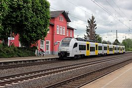 Desiro ML van Trans Regio in station Urmitz in Mülheim-Kärlich (2015)