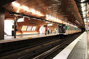 Arts et Métiers (Paris Métro) - Image: M11 Station Arts & Metiers