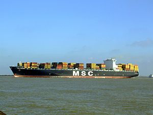 MSC Chicago p7, leaving Port of Rotterdam, Holland 08-Mar-2007.jpg