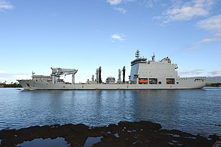 Auxiliary replenishment vessel